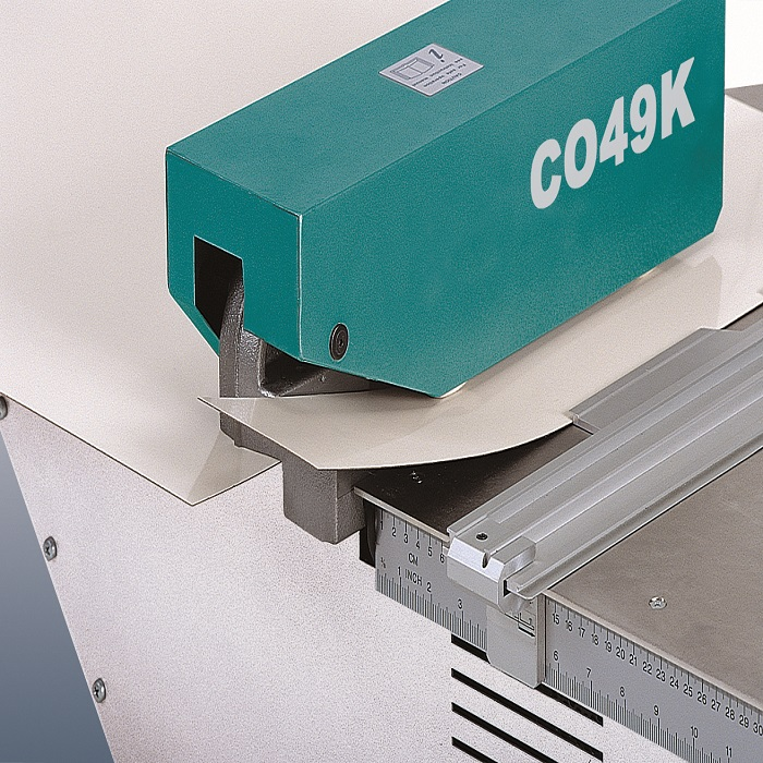 CO49K Автоматична гільйотина для ламінату 180W максимальна товщина різу 1,6мм 44кг.